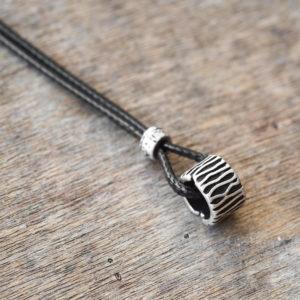 שרשרת לואיס - שרשרת חוט שחור - שרשרת לגבר - מתנה לגבר - גליס תכשיטים